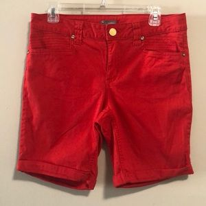 new directions Shorts Bermuda cuffed Red SZ 10 EUC